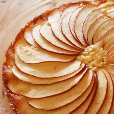 アップルパイだけじゃない!ほっこりおいしい「りんごおやつ」