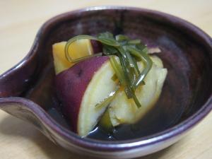 さつま芋と刻み昆布の煮物