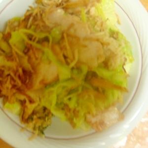 生姜と鶏ムネとえのき茸とキャベツの塩ごま油炒め。