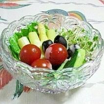 ホワイトアスパラとブラックオリーブのサラダ~♫