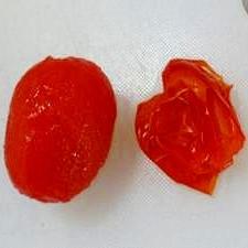 シシリアンルージュ(加熱調理用トマト)の湯むき