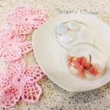 桜と手毬麸入り水まんじゅう