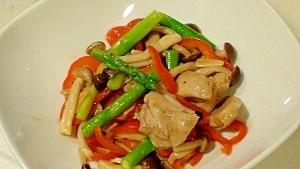 彩り野菜と鶏肉のガーリック炒め
