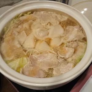 キャベツともやしのガリバタ鍋