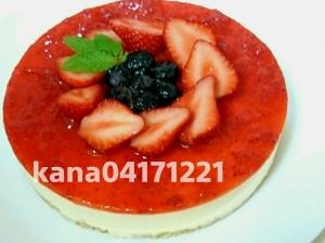 真っ赤な苺ソースのレアチーズケーキ