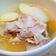 じゃがいもと豚肉のコンソメスープ