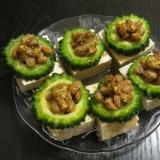 にがうりリングが便利♪豆腐のゴーヤ納豆のせ