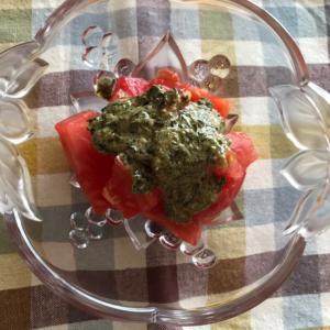 粉チーズバジルマヨドレッシングのトマトサラダ