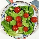 サラダ菜とミニトマトのサラダ