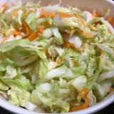 キャベツと人参のサラダ