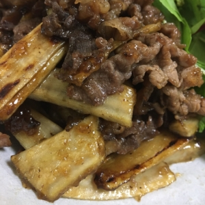 ポリポリごぼうと牛肉の炒めもの