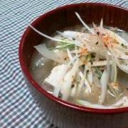 根菜とキノコの豚汁