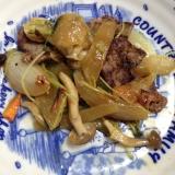 焼肉の肉と豆苗の肉野菜炒め(*^^*)☆