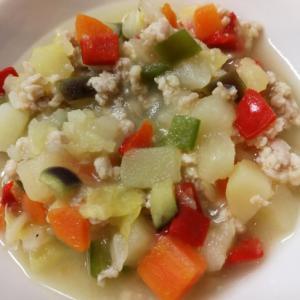 【離乳食後期】ゴロゴロ野菜とひき肉の鶏ガラスープ