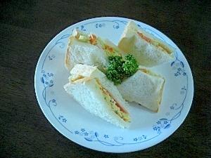 サツマイモサラダのサンドイッチ