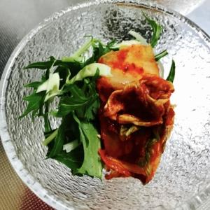 たったの1分!水菜とキャベツとキムチの小鉢サラダ
