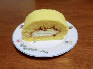 ふわふわのロールケーキ