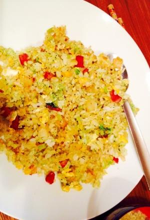 離乳食にも☆小松菜とジャガイモとベーコンの炒飯