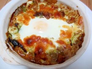 カレーの残りでキャベツと卵のカレードリア