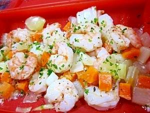 ルクエで~むきエビと野菜の生姜塩麹蒸