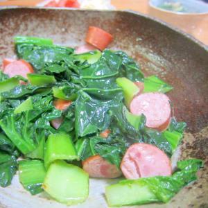 ちぢみ小松菜とウインナーのオリーブグリル