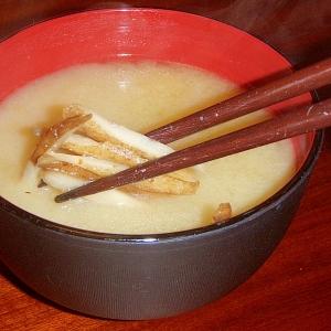ごぼうとバターのお味噌汁