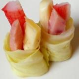 カニかまとプロセスチーズとサラミのキャベツ巻き