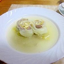 白菜・豚バラ肉・油揚げの巻ロールスープ