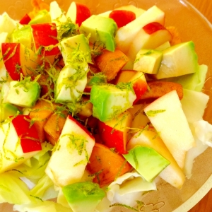 レモン香る♪アボカドりんごキャベツサラダ☆