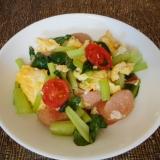 小松菜とウィンナーとトマトの卵炒め