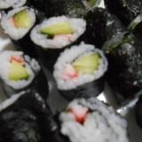 キュウリとカニカマの巻き寿司