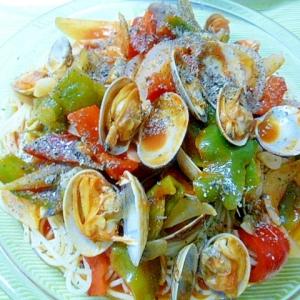 トマトシュース使って、アサリのスープパスタ