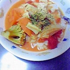 簡単美味しい☆しょうゆ糀入りトマトスープ飯♪