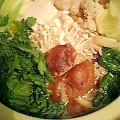 春キャベツた~っぷり鶏団子鍋♪