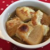 簡単オシャレ!食パンでオニオングラタンスープ