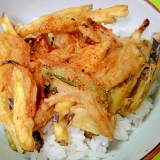 麺つゆで簡単かき揚げ丼