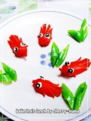 お弁当に★赤ウインナーの金魚ちゃん