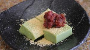 片栗粉で簡単! 抹茶ミルクわらび餅の作り方
