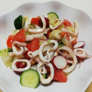 いかと野菜のまろやかコクの炒めたまねぎサラダ
