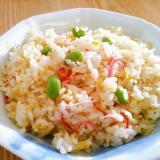 包丁不要☆簡単ランチ♪卵とカニカマと枝豆の炒飯