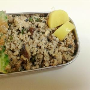 豆腐と干し椎茸の梅しょうがそぼろ