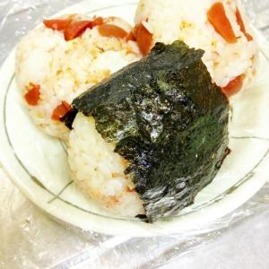 梅おむすび(なめ茸・チーズ・きゅうり)
