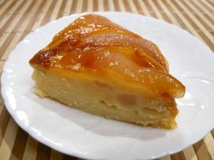 炊飯器で、梨のコンポートケーキ