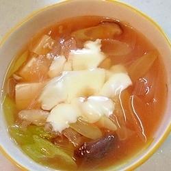甘酸っぱい!ヘルシーでボリュームのあるスープ