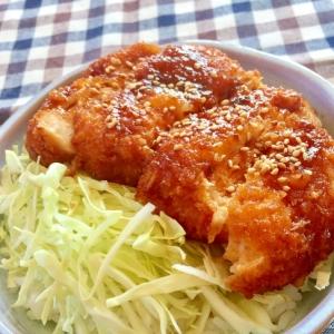 甘辛ソースが絶品♡鶏むね肉でソースチキンカツ丼