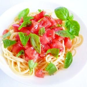 トマトとバジルの冷製サラダパスタ