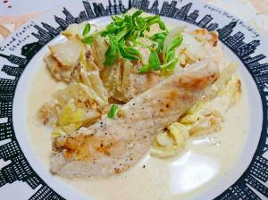 チキンの白菜サワークリームがけ