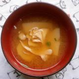舞茸と里芋の味噌汁
