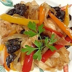 鶏ムネ肉ときくらげの炒め物