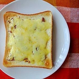マスタードジンジャーのチーズトースト